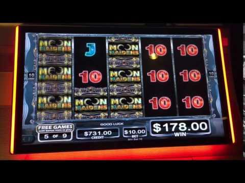 Moon Maiden Slot Machine
